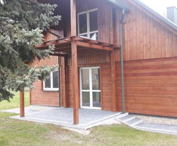 (Polski) ŻOŁYNIA – dom drewniany po remoncie na słonecznej działce w centrum